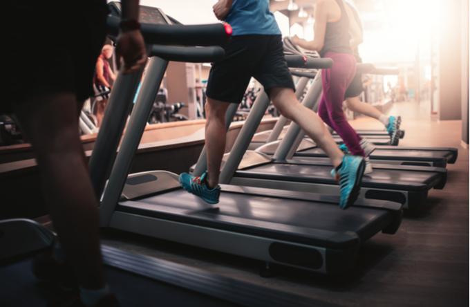 20代男性は運動を重ねる